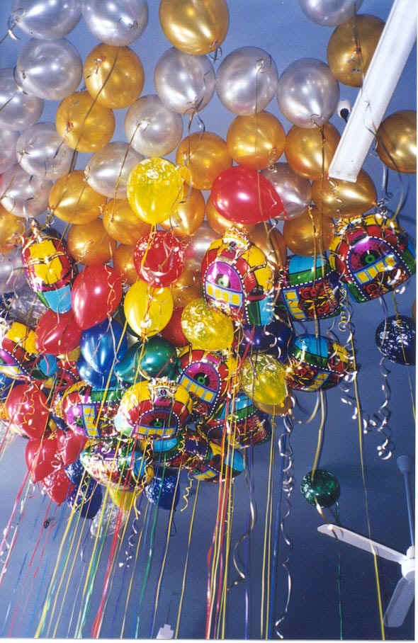http://www.justleisure.com.au/images/Balloons_Ceiling_Fun.jpg